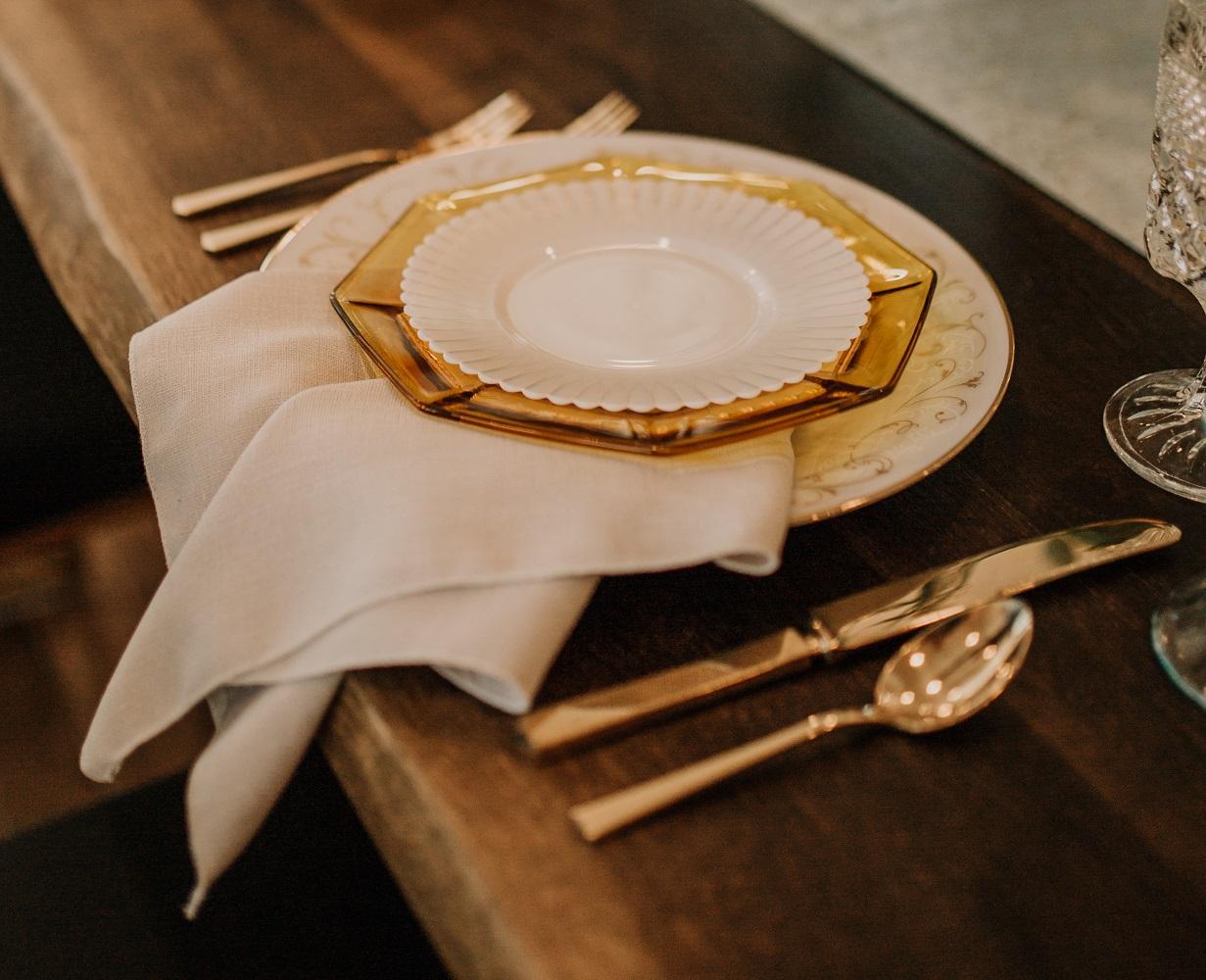 Oat Linnea Table Linen