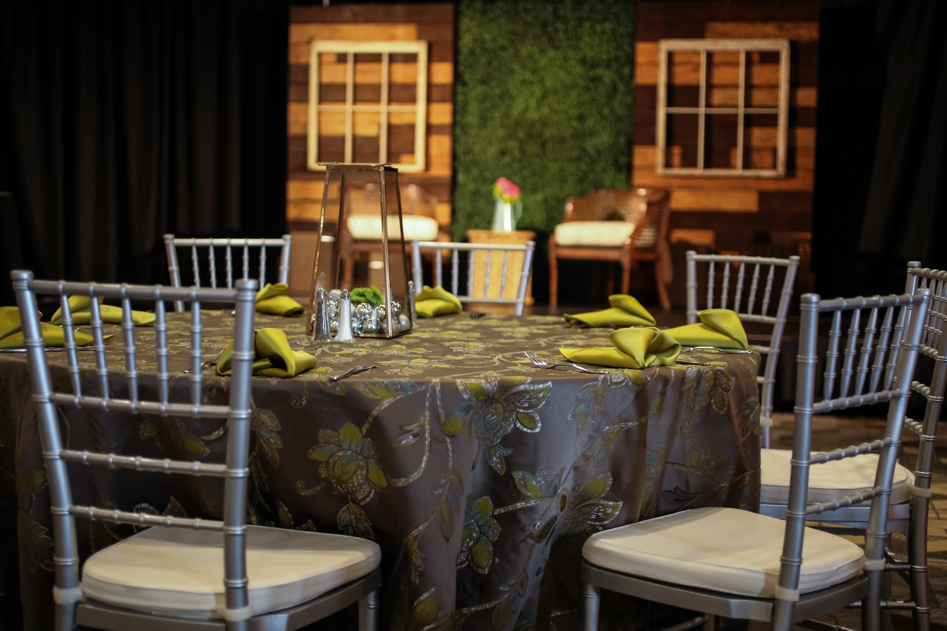 Zesty Glam Table Linen, Green Floral Table Cloth