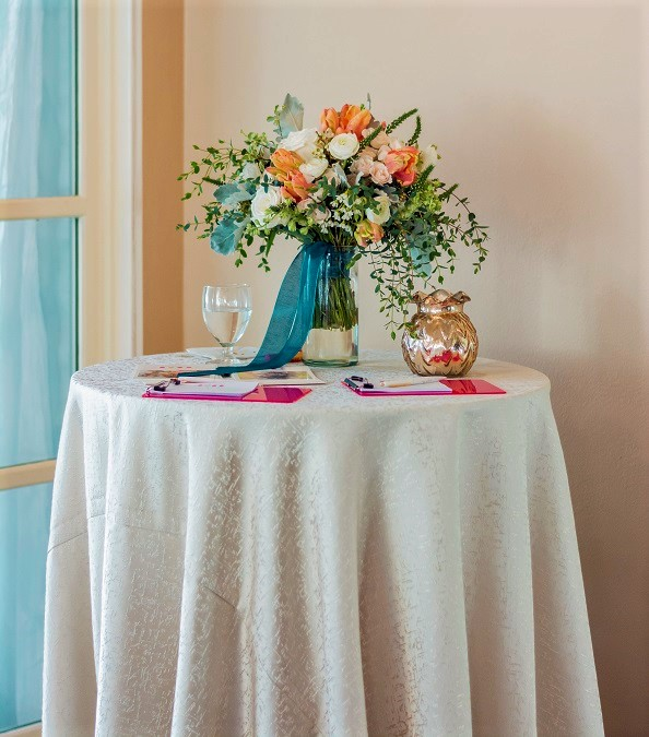 Champagne Tavira Table Linen, Ivory Texture Table Cloth