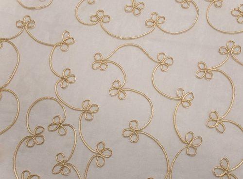 Crystal Clover Table Linen