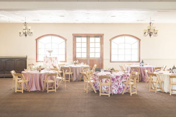Renoir Table Linen, Floral Table Linen, Floral Wedding Cake, Dayton Valley Golf Club, Amy Graves Photo