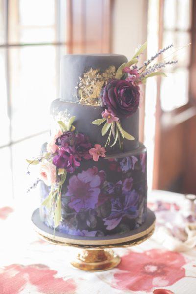 Renoir Table Linen, Floral Table Linen, Floral Wedding Cake, Dayton Valley Golf Club, Amy Graves Photo