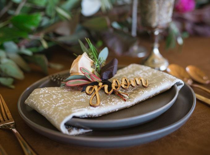 Champagne Tavira Table Linen, Textured Mocha Linen