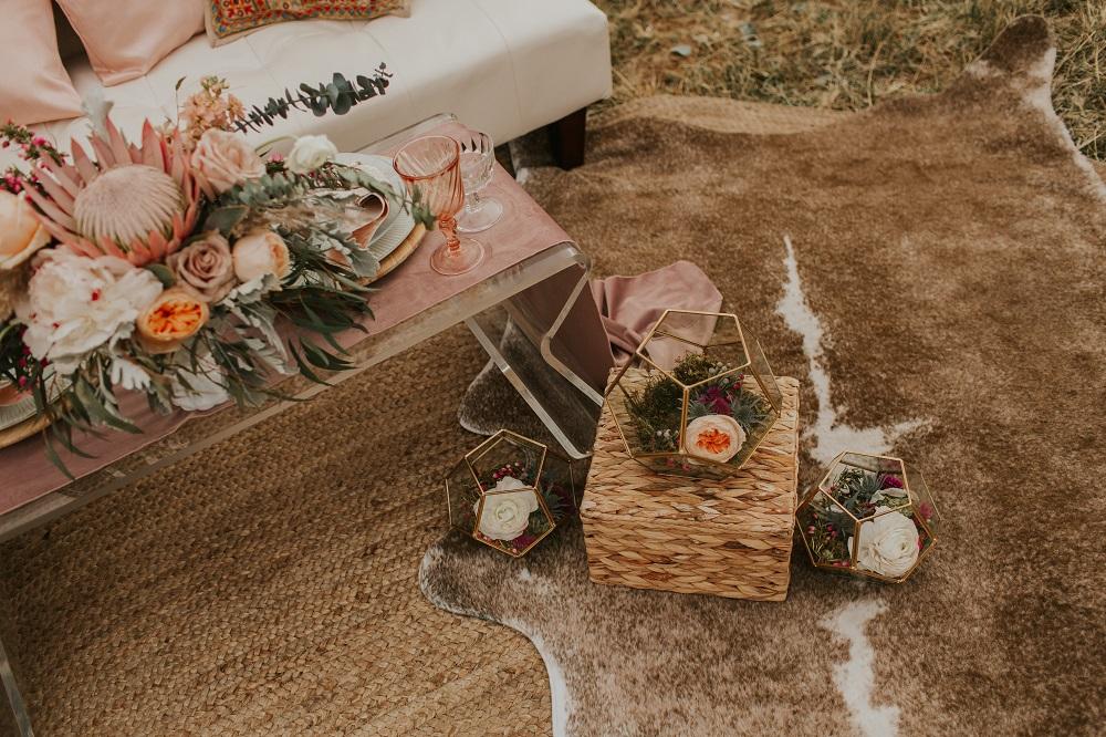 Rustic Event Seating, Dusty Rose Plush Velvet Runner