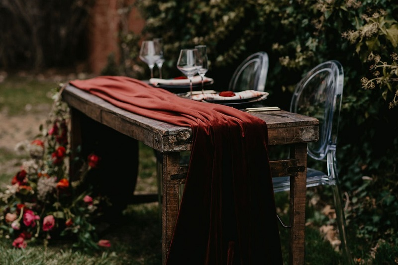 Merlot Plush Velvet Table Linen