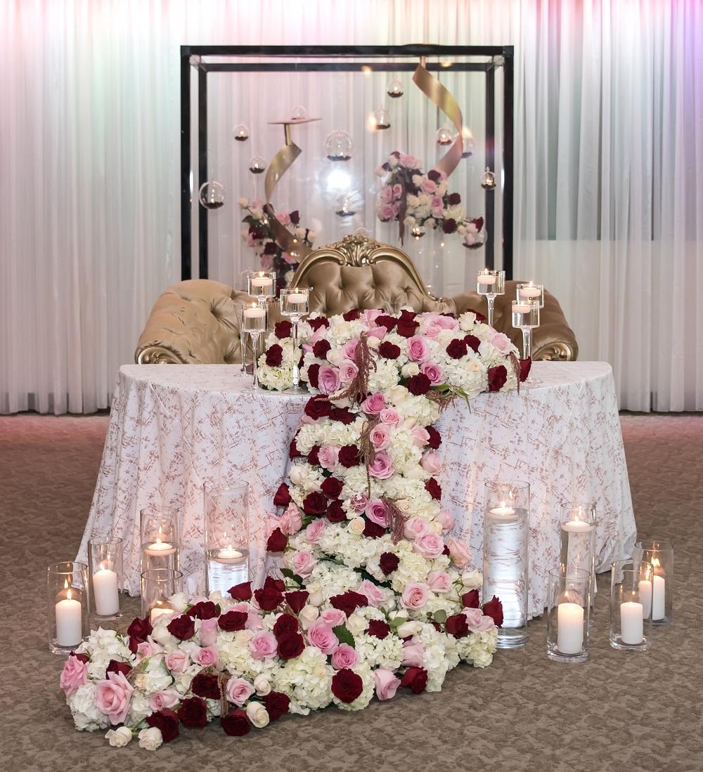 White Etched Velvet Table Cloth, White Pink Velvet Pattern Table Linen